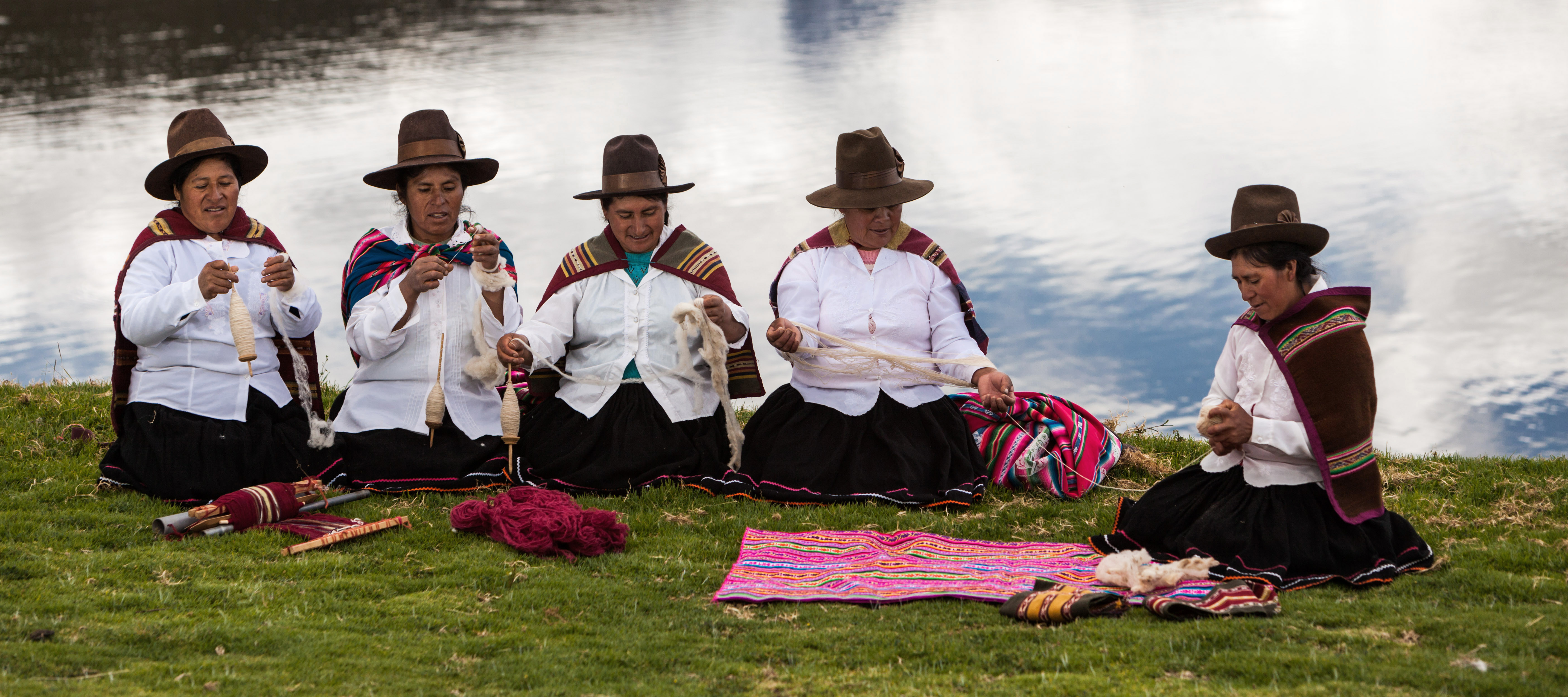 Tejidos Andinos en la comunidad de Charí